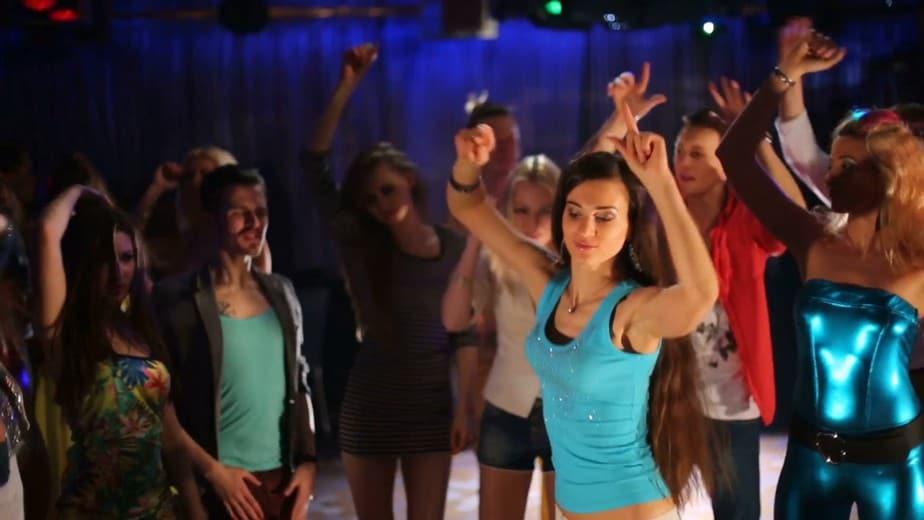 Nhảy Vũ Trường (Go Go Dancing) 1