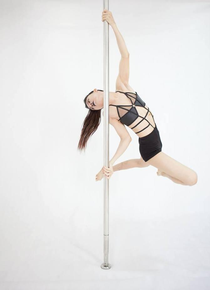 Dạy học múa cột Pole Dance tại TpHCM 2019: nghệ thuật & thể dục