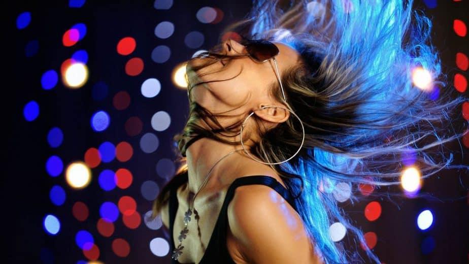 9 SỰ THẬT VỀ CÁC VŨ CÔNG GO-GO DANCING ( VŨ CÔNG NHẢY VŨ TRƯỜNG/ CLUB DANCE) 2