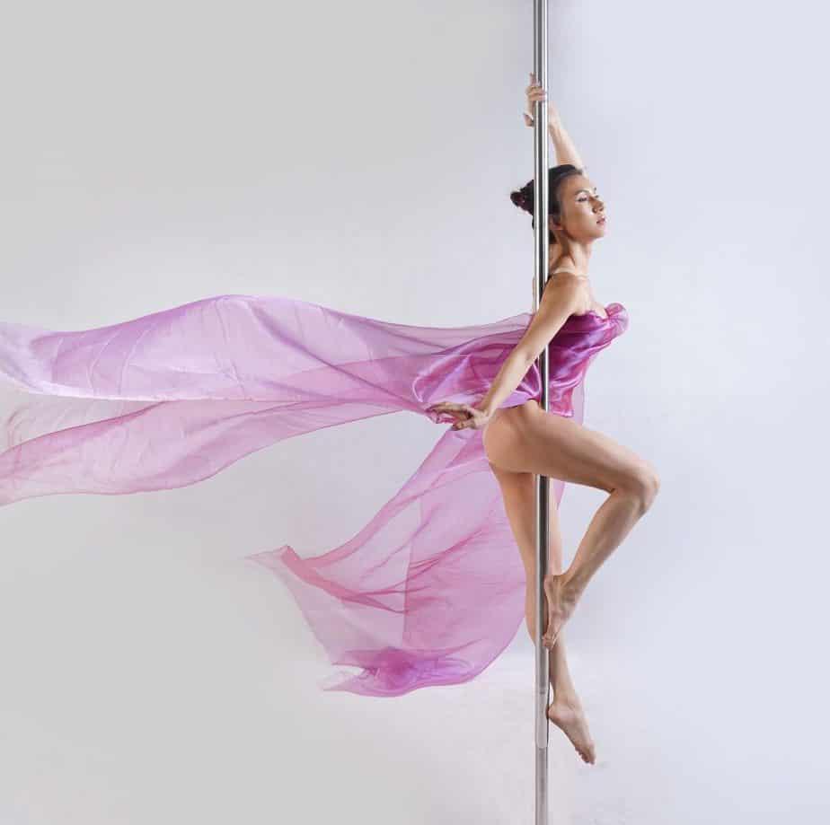 CHO THUÊ CỘT MÚA DI ĐỘNG - CỘT BỤC DIỂU DIỄN TRONG SỰ KIỆN, CHO THUÊ CỘT DI ĐỘNG DÙNG CHO MÚA CỘT POLE DANCE 3
