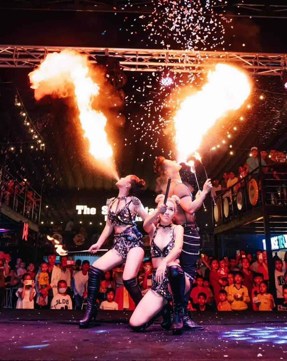 cho thuê vũ công múa lửa