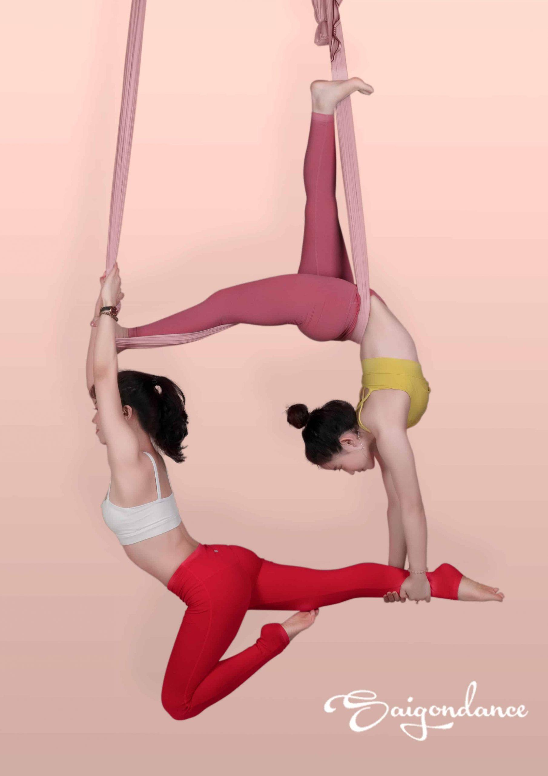lợi ích của yoga bay với cột sống